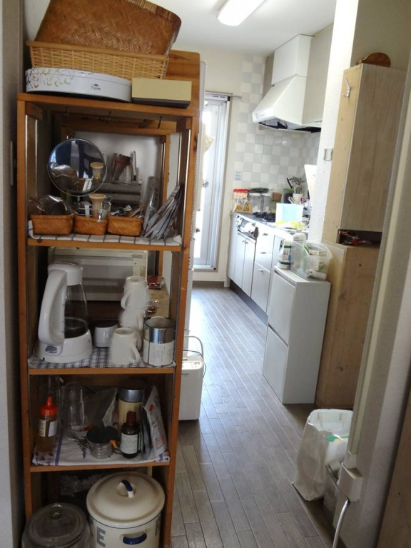 SHIORINAのお片付けサポートキッチン全体BEFORE画像