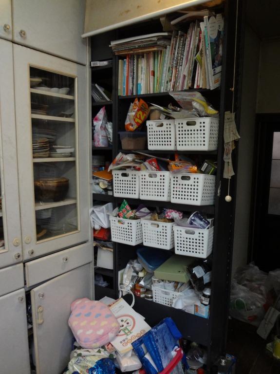 SHIORINAのお片付けサポートキッチン収納棚BEFORE画像