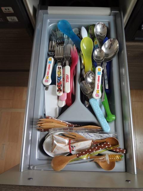 SHIORINAのお片付けサポートキッチン調理台下BEFORE画像