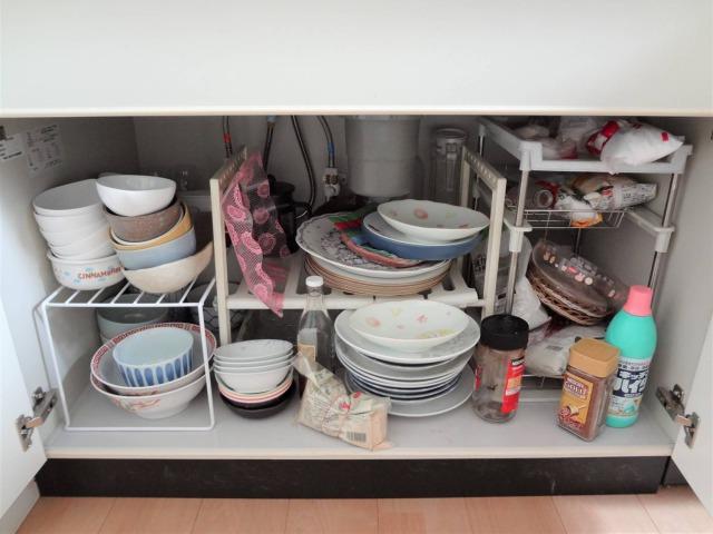 SHIORINAのお片付けサポートキッチンシンク下BEFORE画像