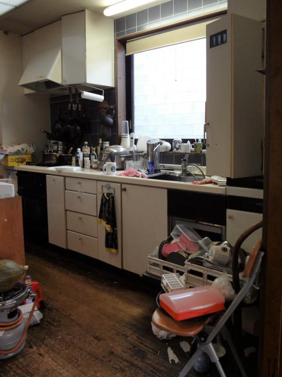 SHIORINAのお片付けサポートキッチンキッチンシンク側BEFORE画像