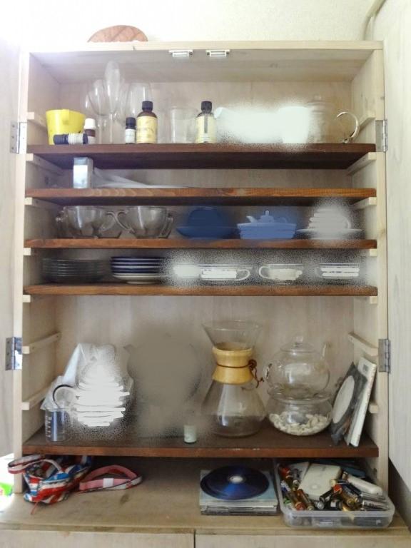 SHIORINAのお片付けサポートキッチン手前・右側BEFORE画像