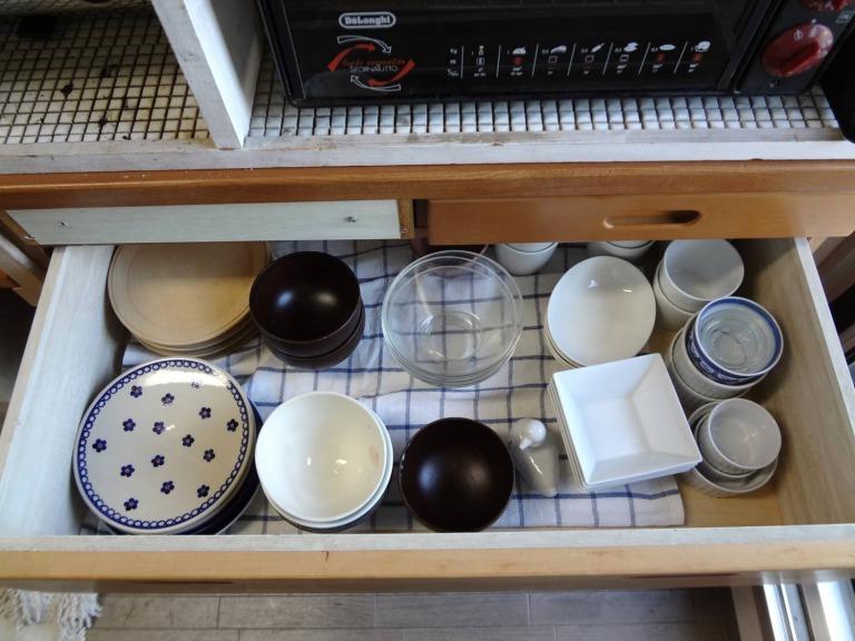 SHIORINAのお片付けサポートキッチンレンジ台引き出し2段目AFTER画像