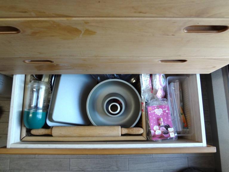 SHIORINAのお片付けサポートキッチンレンジ台引き出し5段目AFTER画像