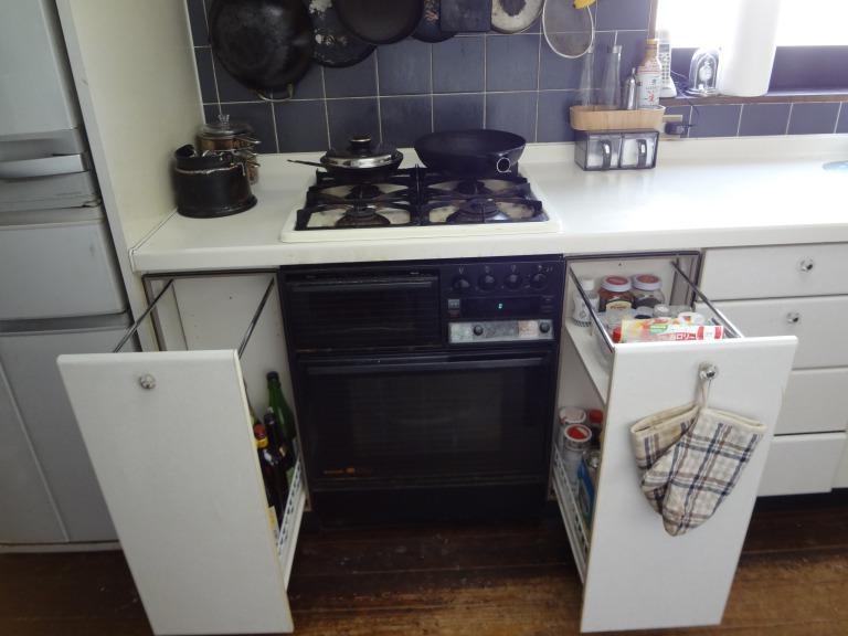 SHIORINAのお片付けサポートキッチンガス台下部AFTER画像