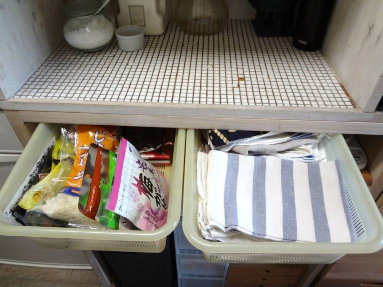 SHIORINAのお片付けサポートキッチンレンジ台中央棚AFTER画像