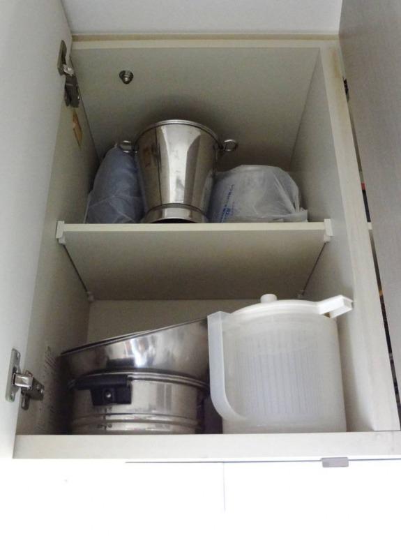 SHIORINAのお片付けサポートキッチン吊戸棚1BEFORE画像