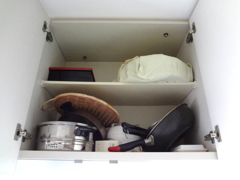 SHIORINAのお片付けサポートキッチン吊戸棚2BEFORE画像