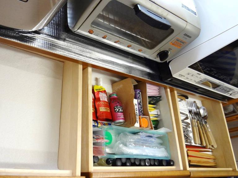 SHIORINAのお片付けサポートキッチン食器棚引き出しAFTER画像