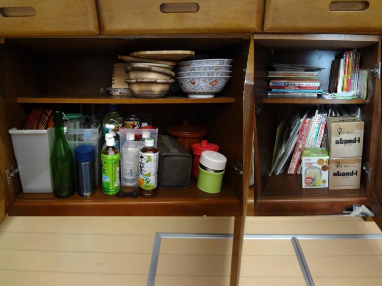 SHIORINAのお片付けサポートキッチン食器棚下段BEFORE画像