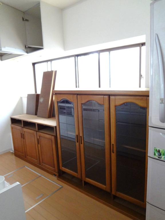 SHIORINAのお片付けサポートキッチン食器棚分解画像